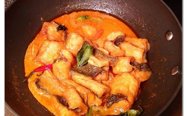 Red Rich Curry with Sea Bass Filet